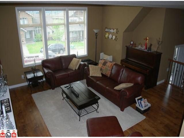 Photo 5: Photos: 8510 UNITY Drive in Chilliwack: Eastern Hillsides House for sale : MLS®# H1202356
