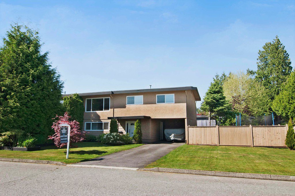 Main Photo: 1195 FRASER Avenue in Port Coquitlam: Birchland Manor 1/2 Duplex for sale : MLS®# V1007360