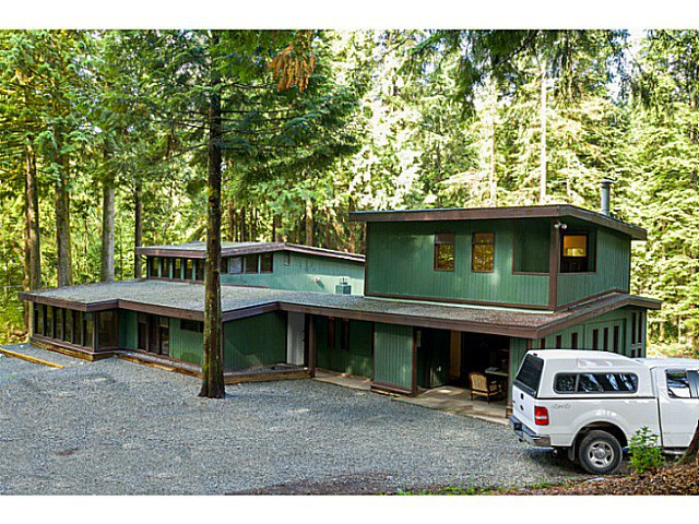 Main Photo: 26755 DEWDNEY TRUNK Road in Maple Ridge: Northeast House for sale : MLS®# V1077914