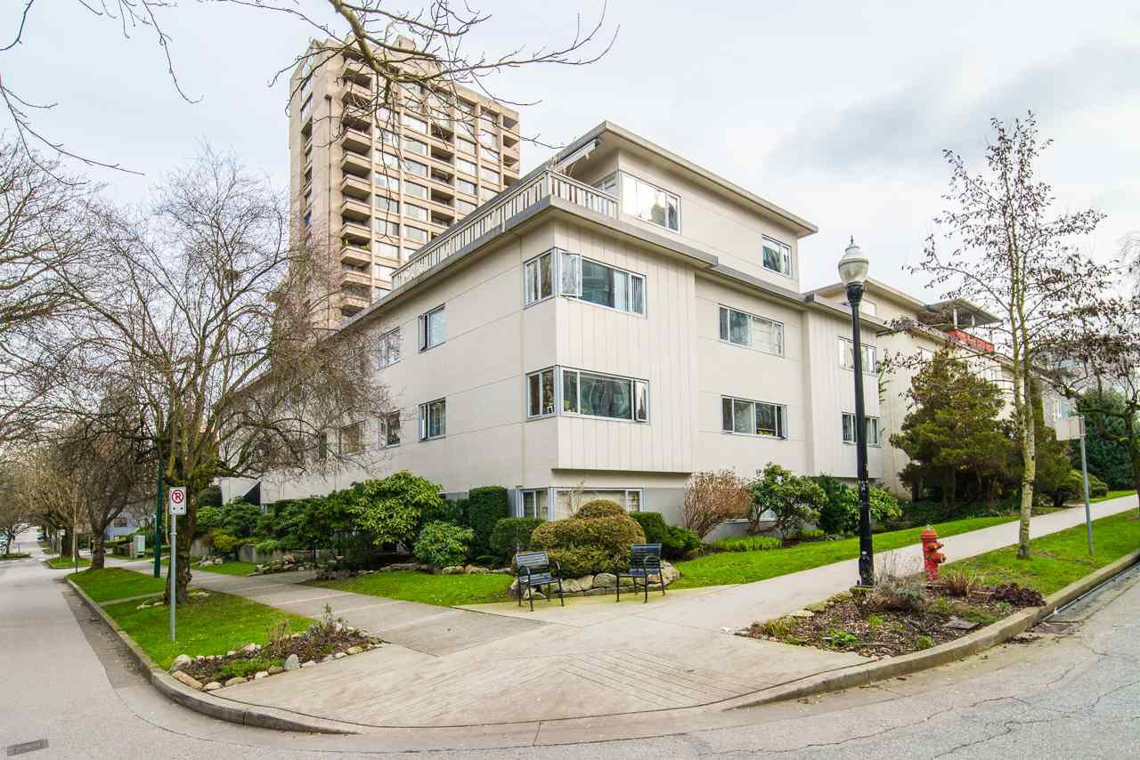 "Main Photo: 302 1050 JERVIS Street in Vancouver: West End VW Condo for sale in ""JERVIS MANOR"" (Vancouver West)  : MLS®# R2435490"