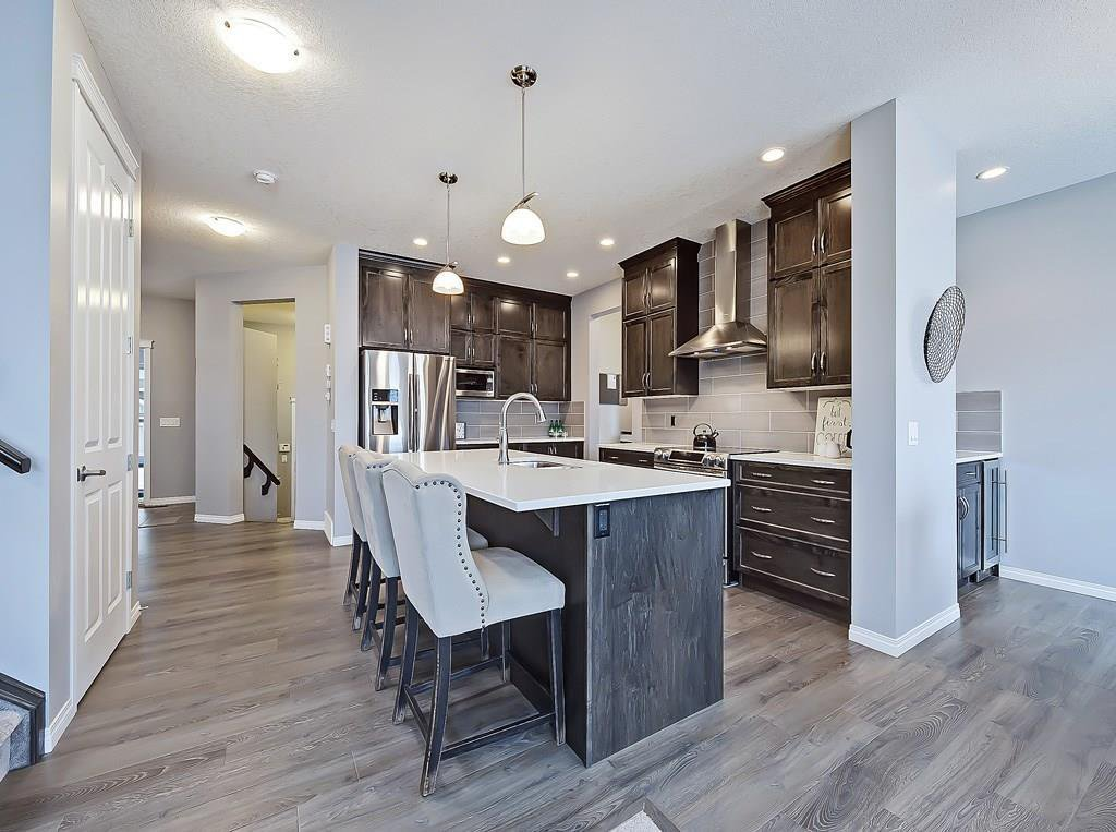 Main Photo: 122 HILLCREST Heights SW: Airdrie Detached for sale : MLS®# C4289227