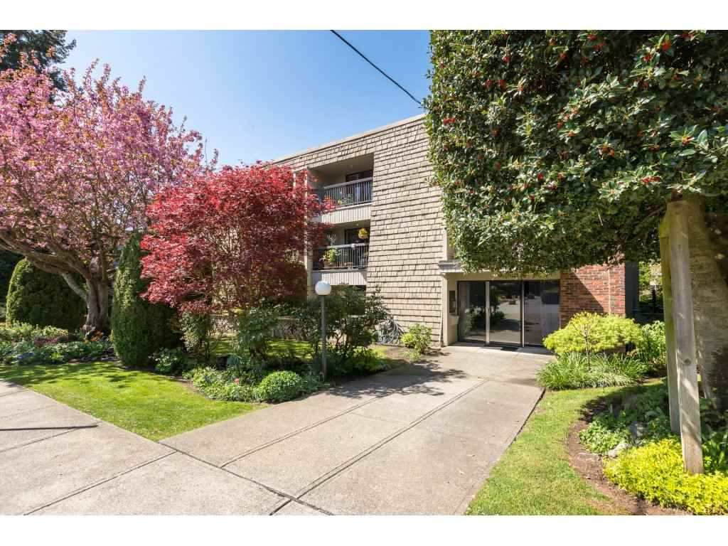 "Main Photo: 105 1355 FIR Street: White Rock Condo for sale in ""THE PAULINE"" (South Surrey White Rock)  : MLS®# R2452056"