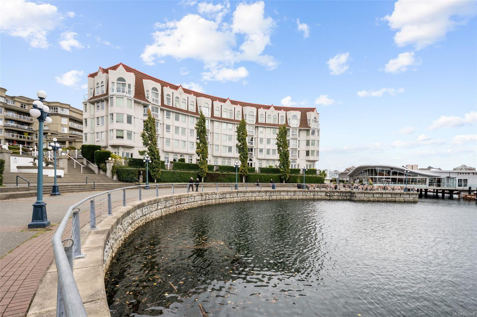 Main Photo: 318 10 Paul Kane Pl in : VW Songhees Condo for sale (Victoria West)  : MLS®# 862868
