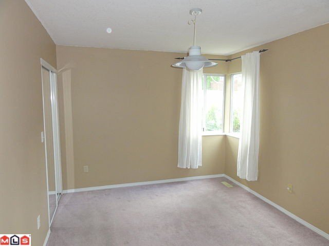 Photo 5: Photos: 14767 ST ANDREWS Drive in Surrey: Bolivar Heights House 1/2 Duplex for sale (North Surrey)  : MLS®# F1215614