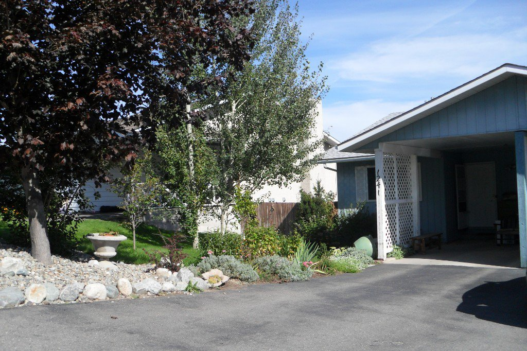 Main Photo: 1241 Monashee Crt in Kamloops: Sahali House 1/2 Duplex for sale : MLS®# 118953