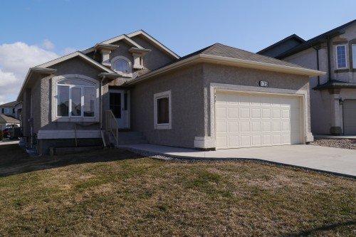Main Photo: 135 Wayfield Drive in Winnipeg: Fort Garry / Whyte Ridge / St Norbert Single Family Detached for sale (South Winnipeg)  : MLS®# 1409089