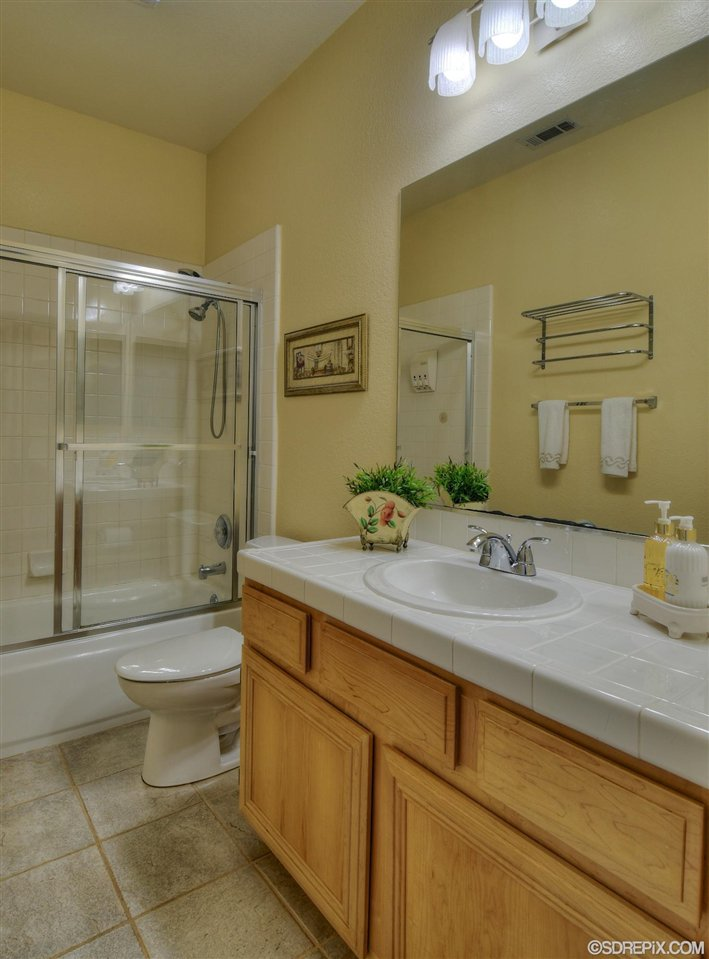 Photo 18: Photos: Residential for sale : 3 bedrooms : 11576 Scripps Creek Dr in San Diego