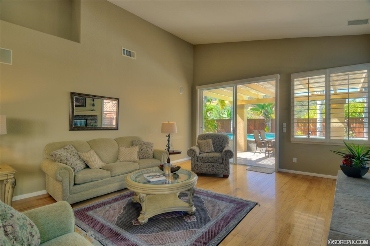 Photo 10: Photos: Residential for sale : 3 bedrooms : 11576 Scripps Creek Dr in San Diego
