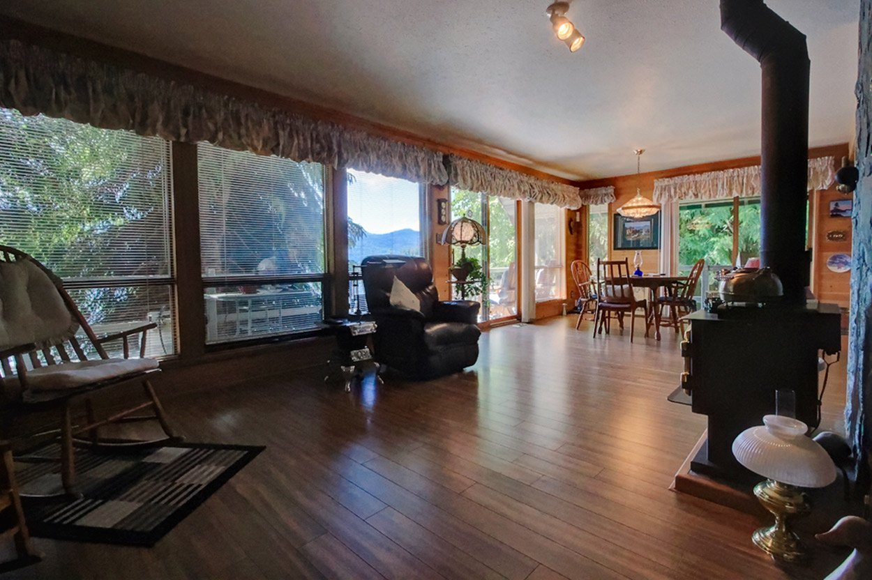 Photo 27: Photos: 6326 Squilax Anglemont Highway: Magna Bay House for sale (North Shuswap)  : MLS®# 10185653