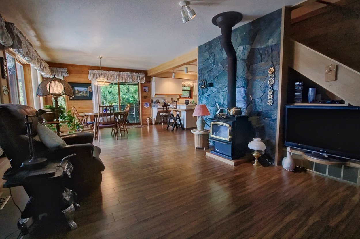 Photo 26: Photos: 6326 Squilax Anglemont Highway: Magna Bay House for sale (North Shuswap)  : MLS®# 10185653