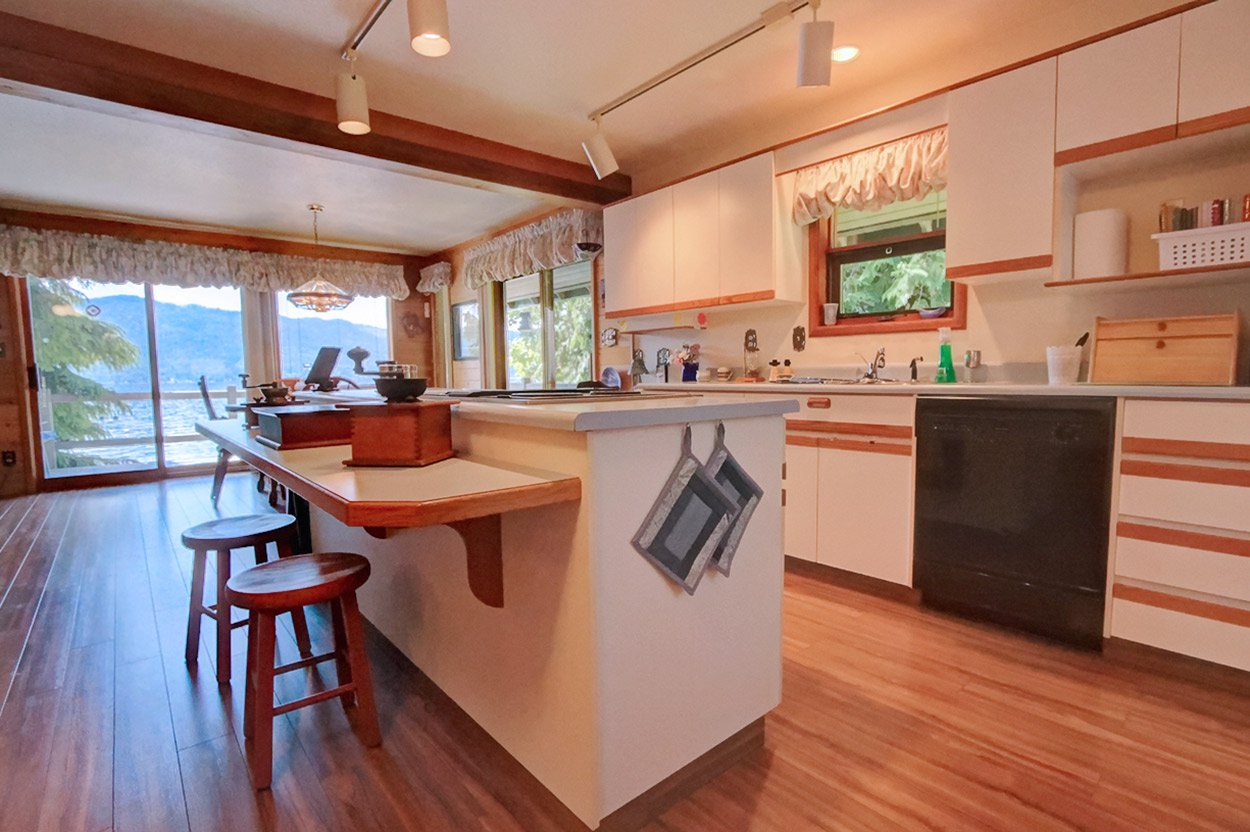 Photo 13: Photos: 6326 Squilax Anglemont Highway: Magna Bay House for sale (North Shuswap)  : MLS®# 10185653