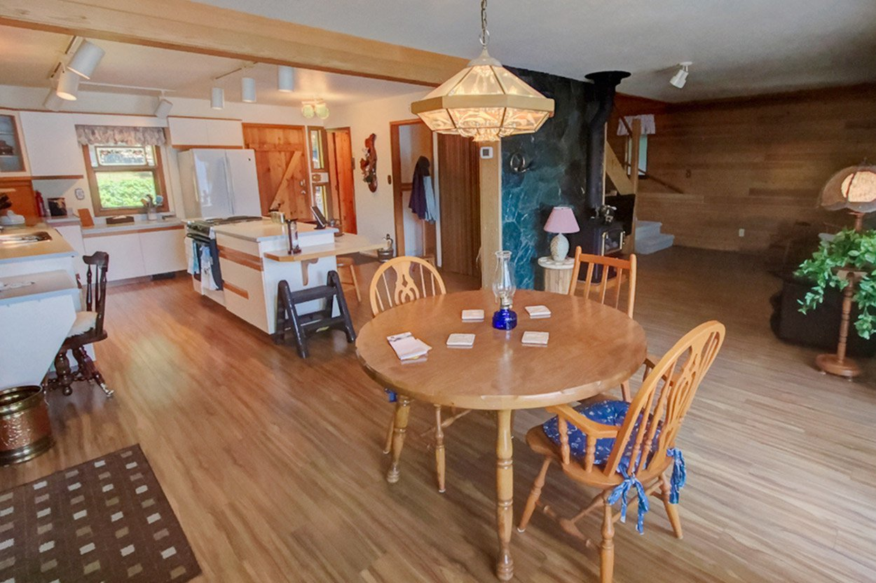 Photo 18: Photos: 6326 Squilax Anglemont Highway: Magna Bay House for sale (North Shuswap)  : MLS®# 10185653