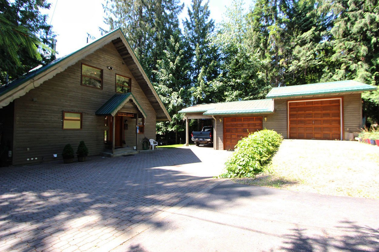 Photo 7: Photos: 6326 Squilax Anglemont Highway: Magna Bay House for sale (North Shuswap)  : MLS®# 10185653
