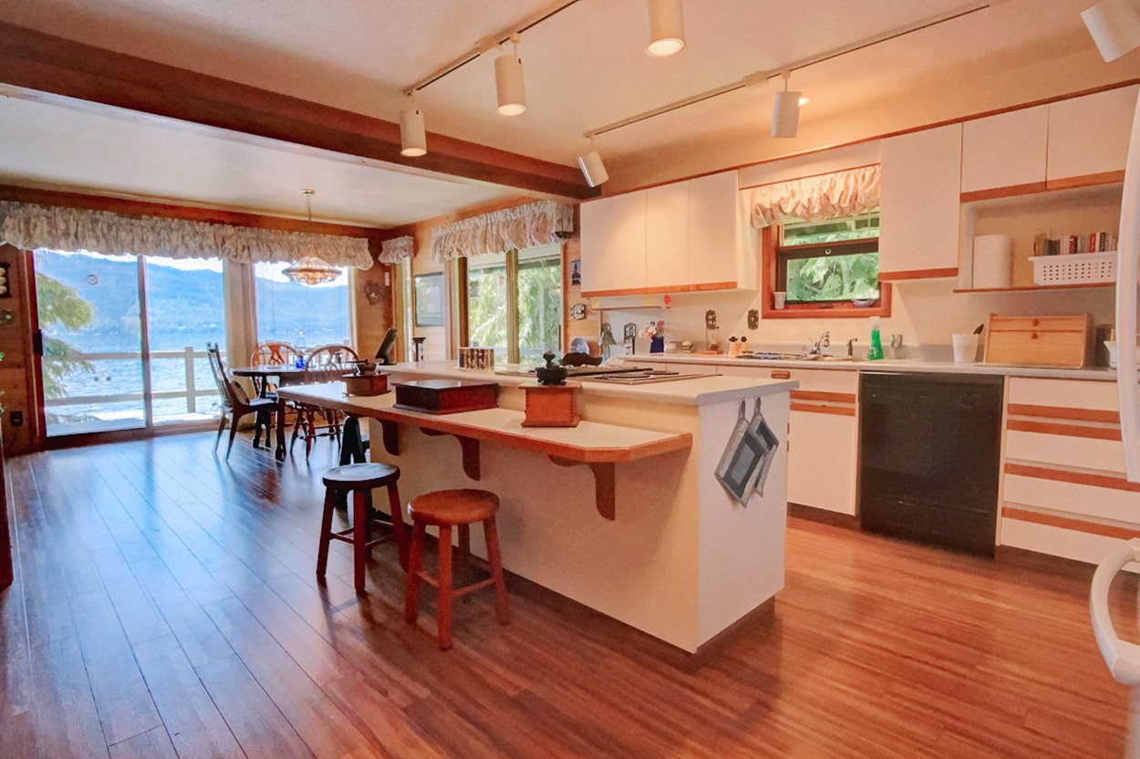 Photo 15: Photos: 6326 Squilax Anglemont Highway: Magna Bay House for sale (North Shuswap)  : MLS®# 10185653