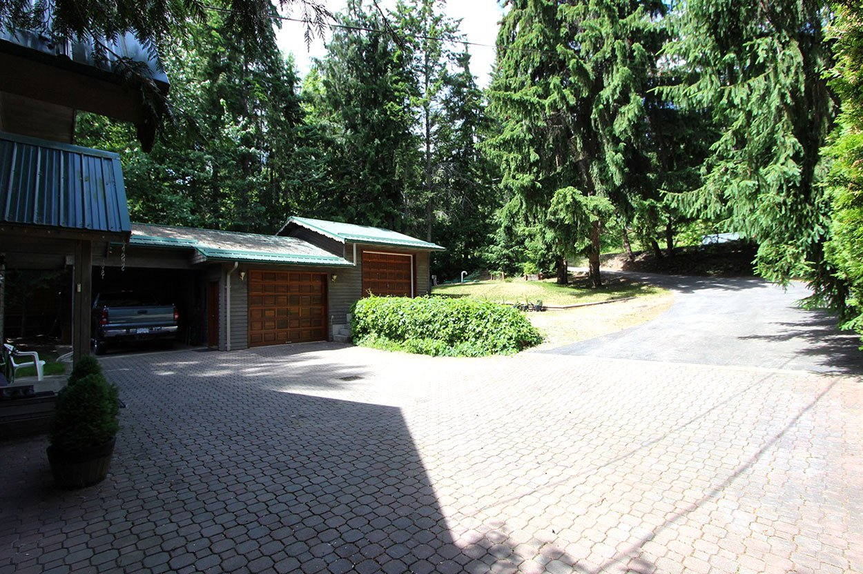 Photo 32: Photos: 6326 Squilax Anglemont Highway: Magna Bay House for sale (North Shuswap)  : MLS®# 10185653