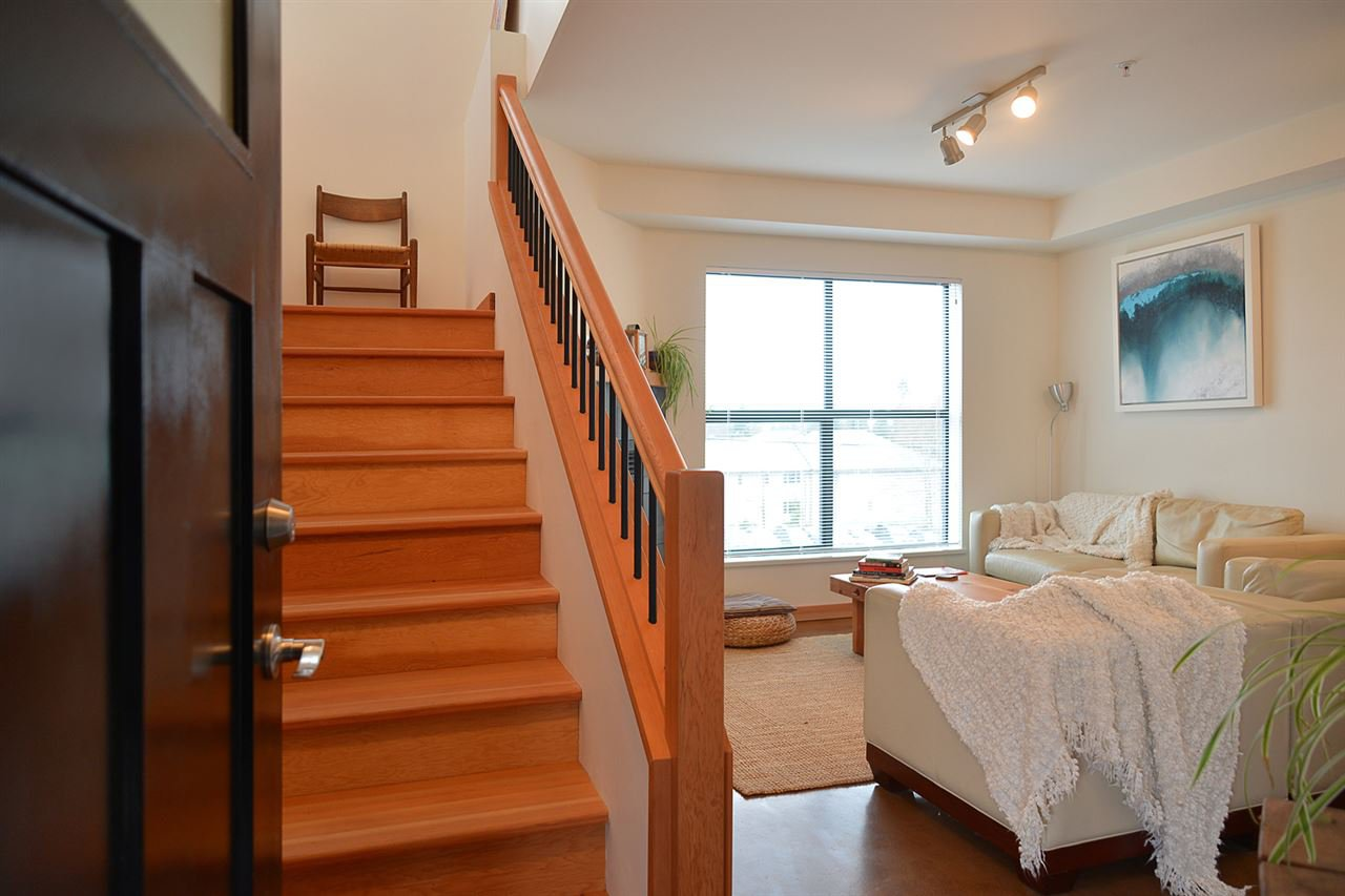 Main Photo: 206 641 MAHAN ROAD in Gibsons: Gibsons & Area Condo for sale (Sunshine Coast)  : MLS®# R2034519