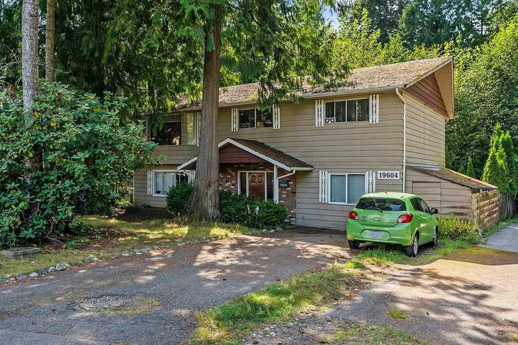 Main Photo: 19604 47 Avenue in Langley: Langley City House for sale : MLS®# R2433635