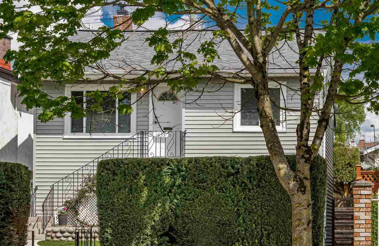 Main Photo: 1635 E 57TH Avenue in Vancouver: Fraserview VE House for sale (Vancouver East)  : MLS®# R2452988