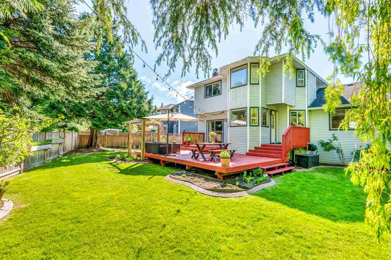 Main Photo: 6130 PARKSIDE Close in Surrey: Panorama Ridge House for sale : MLS®# R2454955