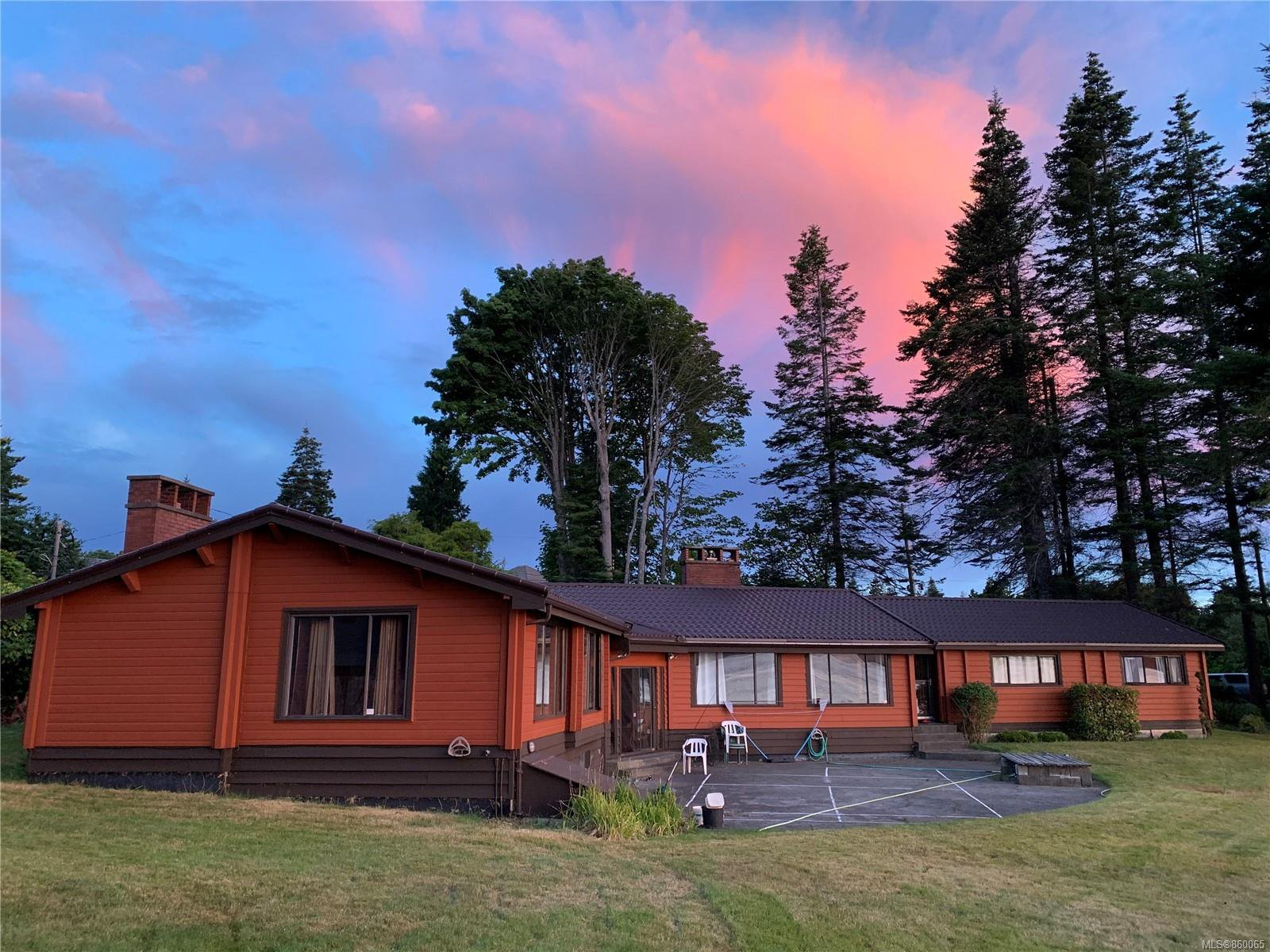 Main Photo: 1702 Wood Rd in : CR Campbell River North House for sale (Campbell River)  : MLS®# 860065