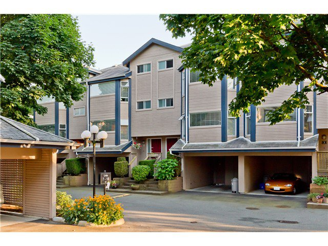 Main Photo: 4 1195 FALCON Drive in Coquitlam: Eagle Ridge CQ Townhouse for sale : MLS®# V966057