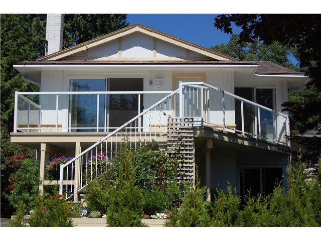 Main Photo: 1560 LYNN VALLEY Road in North Vancouver: Lynn Valley House for sale : MLS®# V1019815