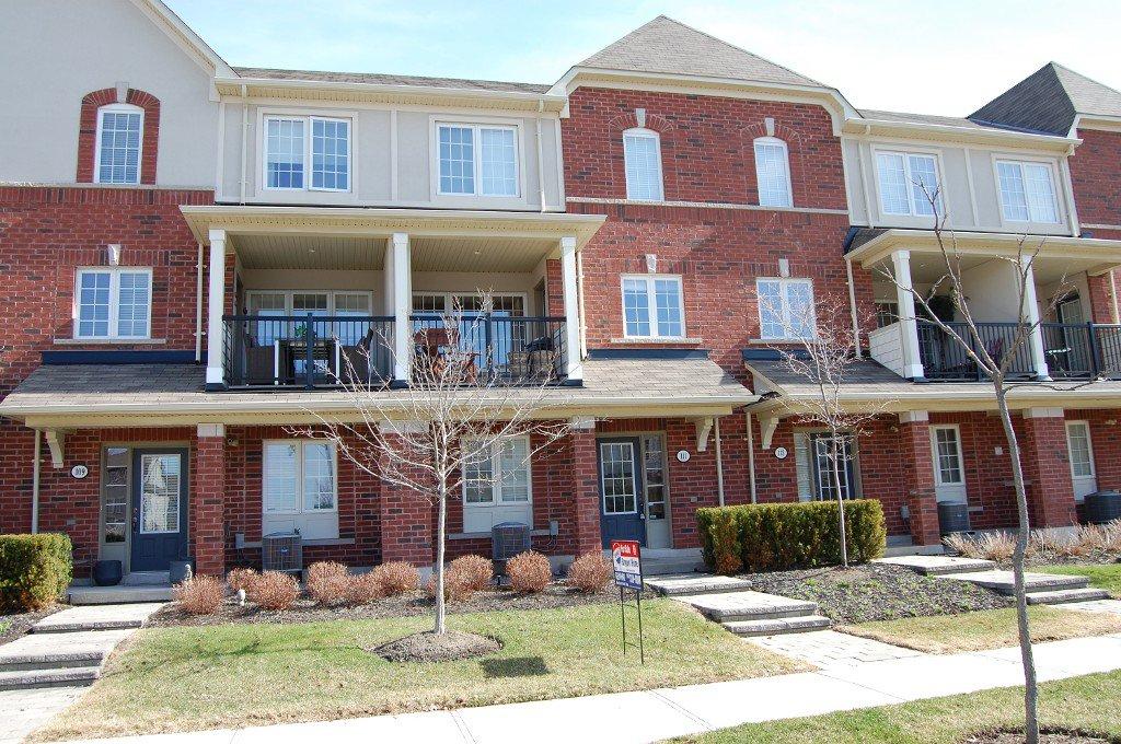 Main Photo: 111 Georgian Drive in Oakville: Condo for sale : MLS®# 2070423