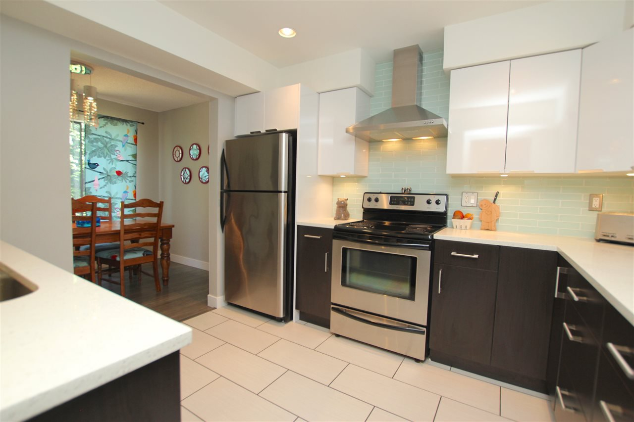 Main Photo: 306 CARDIFF WAY in Port Moody: College Park PM Townhouse for sale : MLS®# R2096085