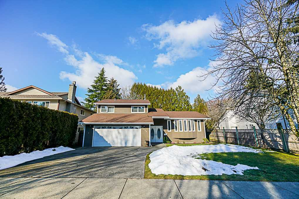 Main Photo: 19895 50A AVENUE in Langley: Langley City House for sale : MLS®# R2342291