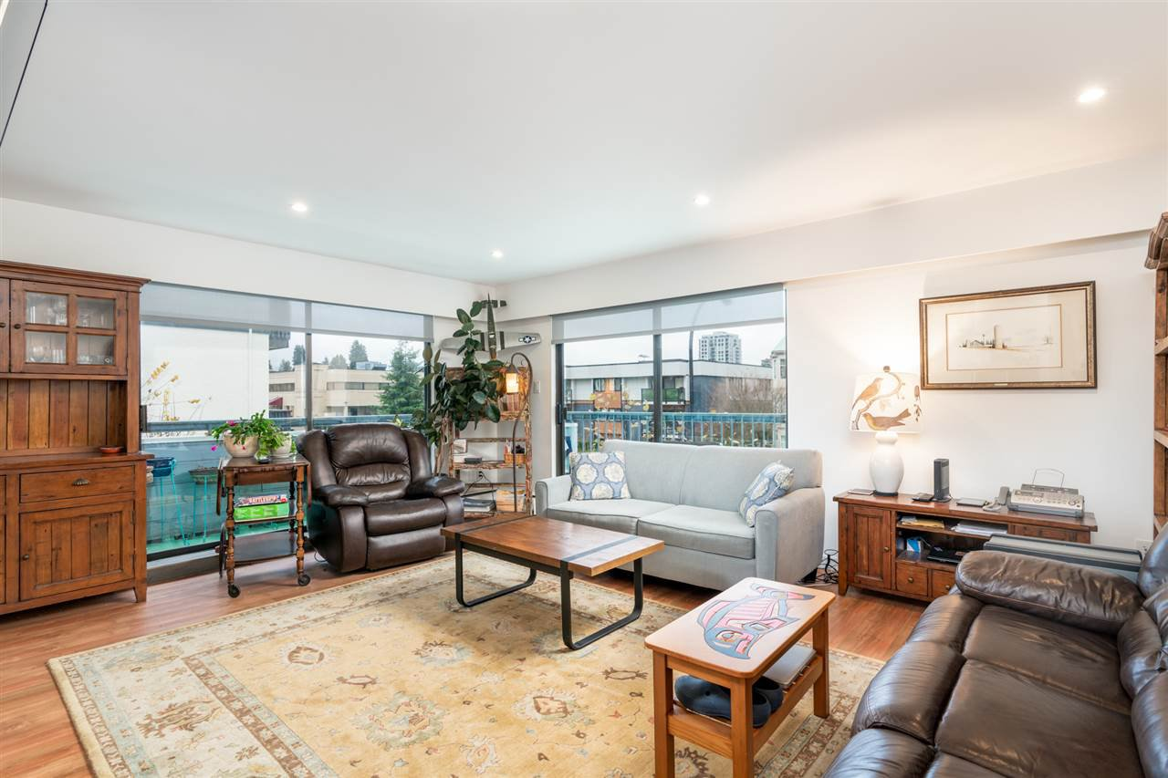 Main Photo: 206 134 W 20TH Street in North Vancouver: Central Lonsdale Condo for sale : MLS®# R2493105