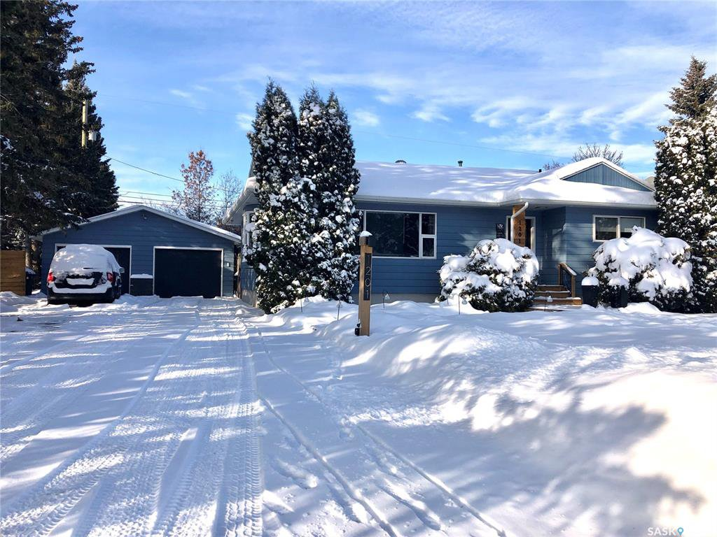 Main Photo: 1201 112th Street in North Battleford: Residential for sale : MLS®# SK833571