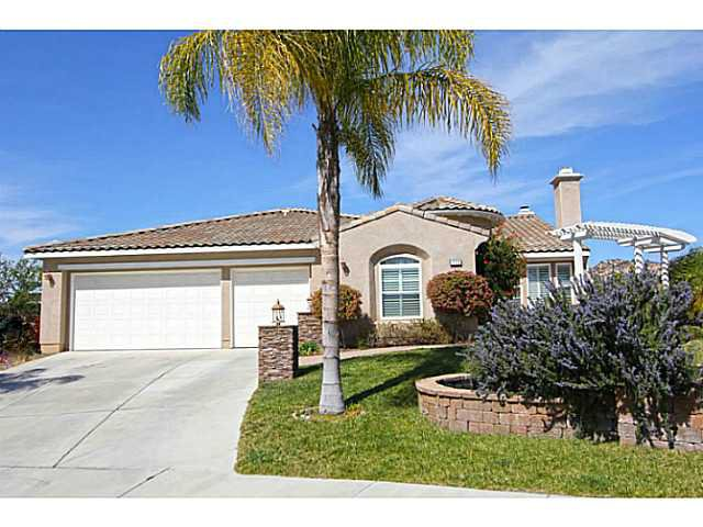 Main Photo: EAST ESCONDIDO House for sale : 4 bedrooms : 1722 Daybreak Place in Escondido