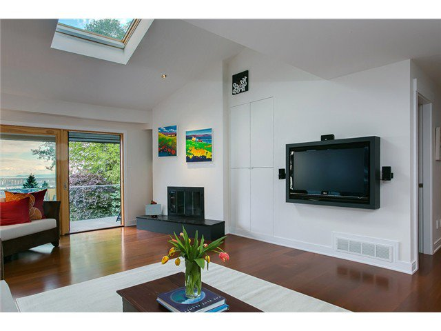 Photo 9: Photos: 5190 REDONDA Drive in North Vancouver: Canyon Heights NV House for sale : MLS®# V1009017