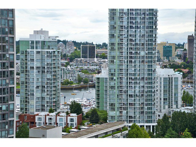 "Main Photo: # 1907 977 MAINLAND ST in Vancouver: Yaletown Condo for sale in ""YALETOWN PARK III"" (Vancouver West)  : MLS®# V1015117"