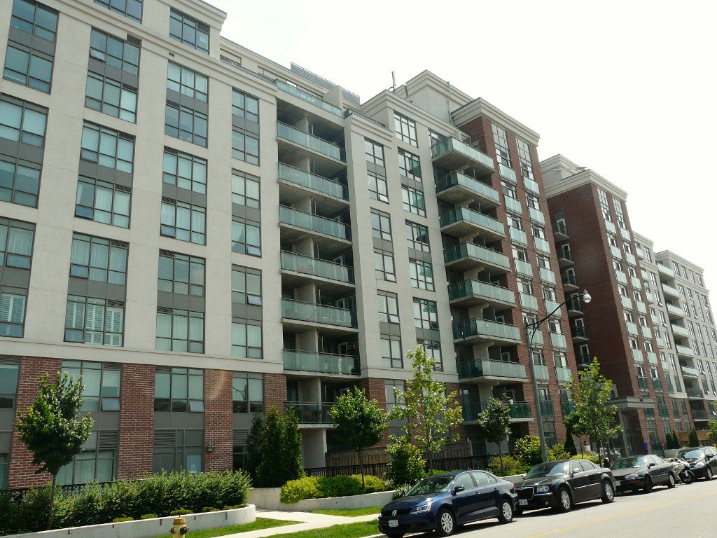 Main Photo: Toronto in Banbury-DonMills: Condo for lease (Toronto C13)