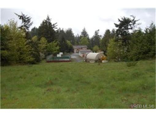 Main Photo: 568 Latoria Road in VICTORIA: Co Latoria Single Family Detached for sale (Colwood)  : MLS®# 228768