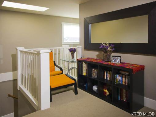 Photo 9: Photos: 3355 Sewell Road in VICTORIA: Co Triangle Residential for sale (Colwood)  : MLS®# 293550