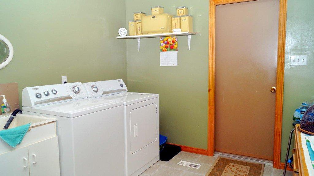 Photo 27: Photos: 52 Armitage Ave in Kawartha Lakes: Freehold for sale : MLS®# X3435239