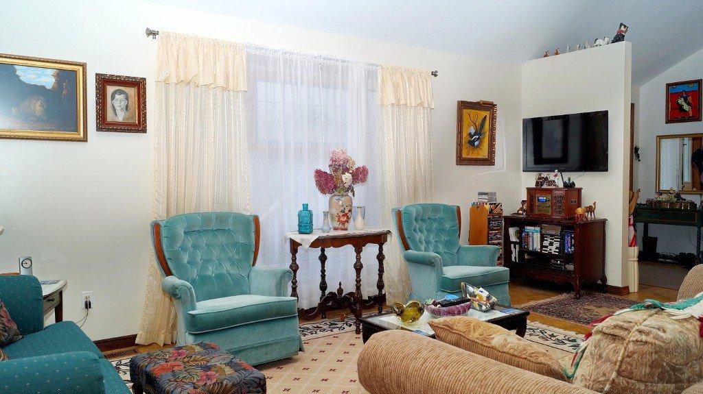 Photo 12: Photos: 52 Armitage Ave in Kawartha Lakes: Freehold for sale : MLS®# X3435239