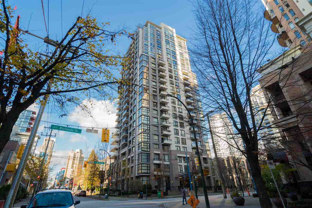 Main Photo: 204 1295 Richards Street in Vancouver: Downtown VW Condo for sale (Vancouver West)  : MLS®# r2124812
