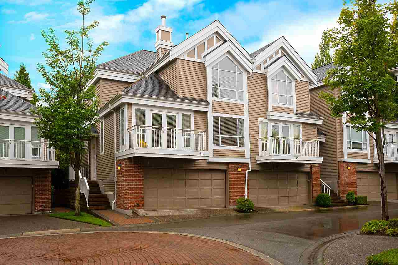 "Main Photo: 31 5760 HAMPTON Place in Vancouver: University VW Townhouse for sale in ""West Hampstead"" (Vancouver West)  : MLS®# R2408447"