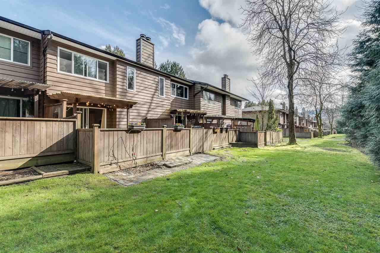 "Photo 19: Photos: 18 1140 EAGLERIDGE Drive in Coquitlam: Eagle Ridge CQ Townhouse for sale in ""FIELDRIDGE"" : MLS®# R2444136"