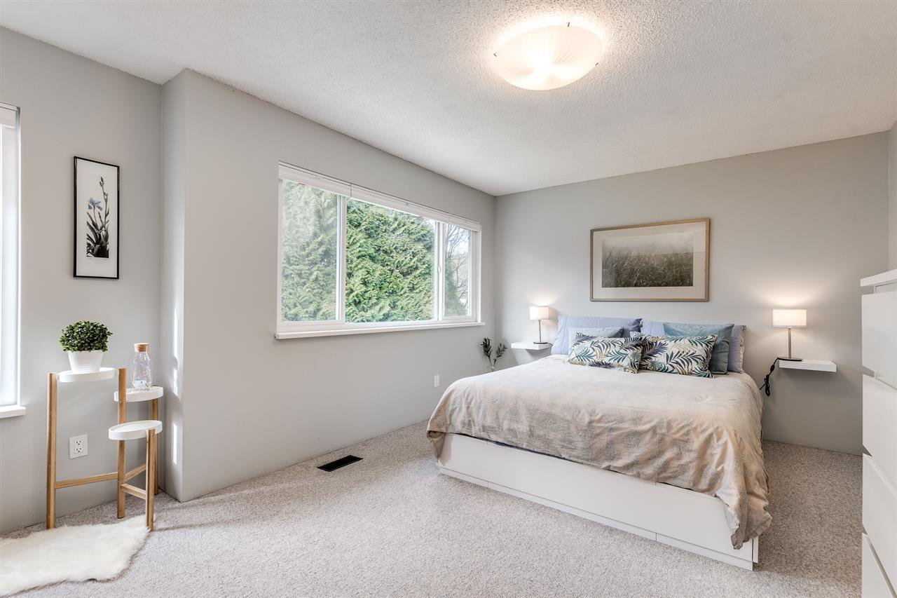 "Photo 14: Photos: 18 1140 EAGLERIDGE Drive in Coquitlam: Eagle Ridge CQ Townhouse for sale in ""FIELDRIDGE"" : MLS®# R2444136"