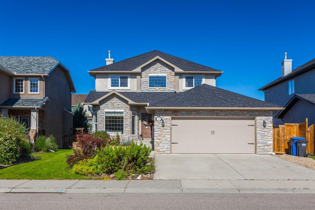 Main Photo: 139 CRYSTAL SHORES Drive: Okotoks Detached for sale : MLS®# A1014783