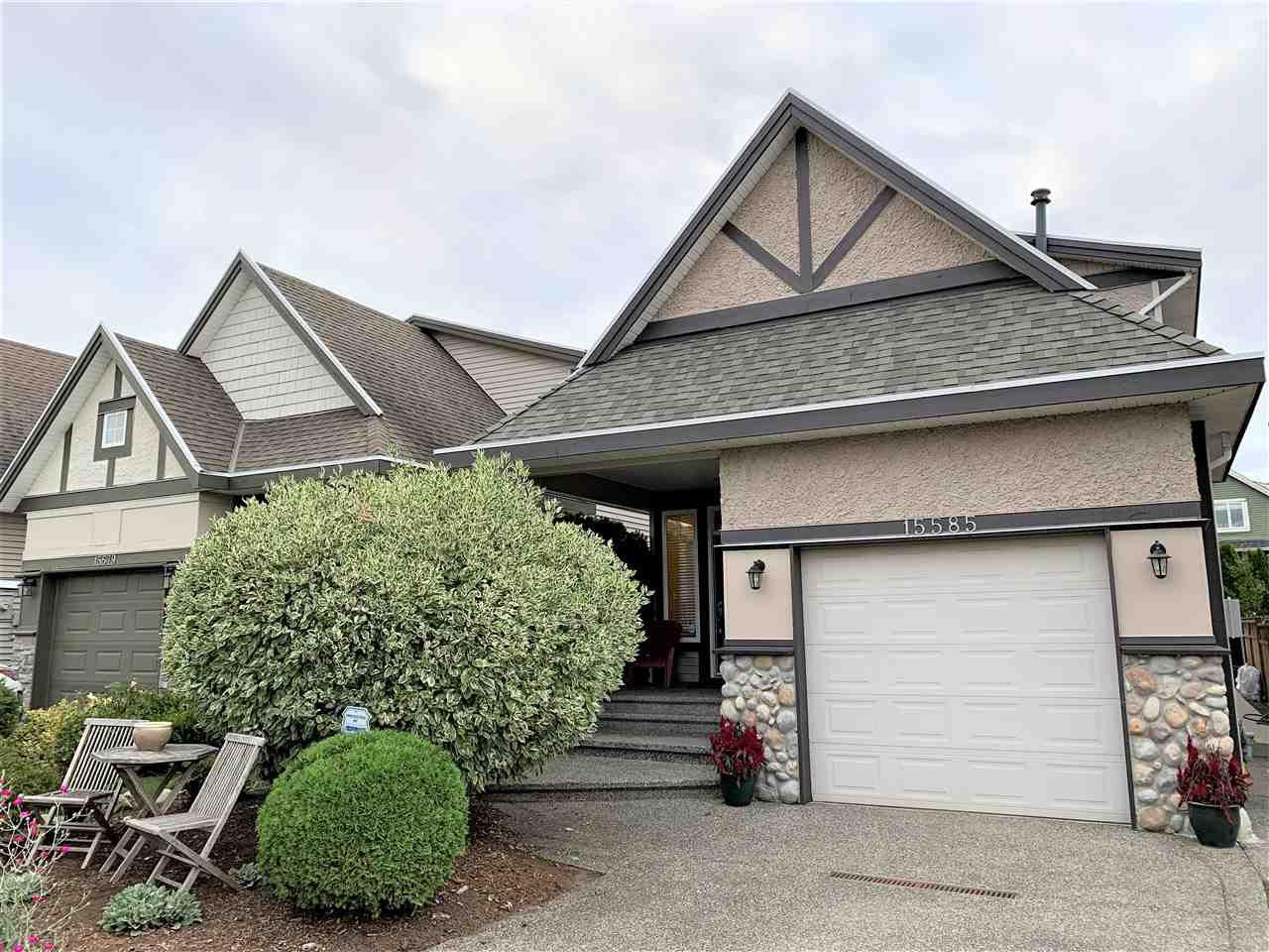Main Photo: 15585 GOGGS Avenue: White Rock House for sale (South Surrey White Rock)  : MLS®# R2514789