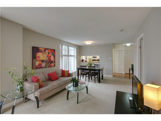 """Main Photo: B705 1331 HOMER Street in Vancouver: Yaletown Condo for sale in """"PACIFIC POINT"""" (Vancouver West)  : MLS®# V990433"""