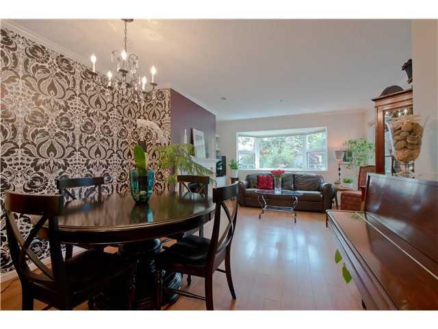 Main Photo: 105 2256 W 7TH Avenue in Vancouver: Kitsilano Condo for sale (Vancouver West)  : MLS®# V1004882