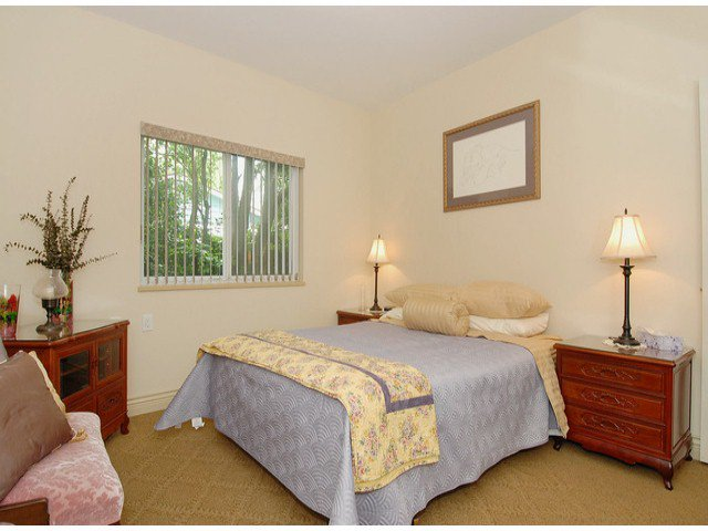 Photo 8: Photos: 17358 2ND AV in Surrey: Pacific Douglas House for sale (South Surrey White Rock)  : MLS®# F1310332