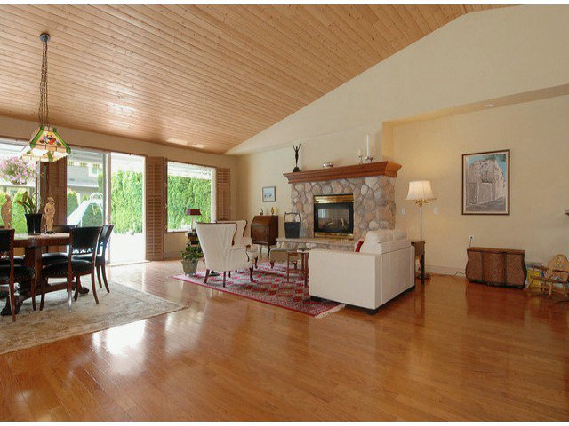 Photo 2: Photos: 17358 2ND AV in Surrey: Pacific Douglas House for sale (South Surrey White Rock)  : MLS®# F1310332