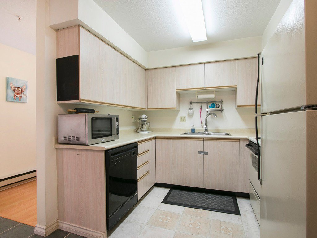 Photo 8: Photos: 104 1099 E BROADWAY in Vancouver: Mount Pleasant VE Condo for sale (Vancouver East)  : MLS®# R2159327